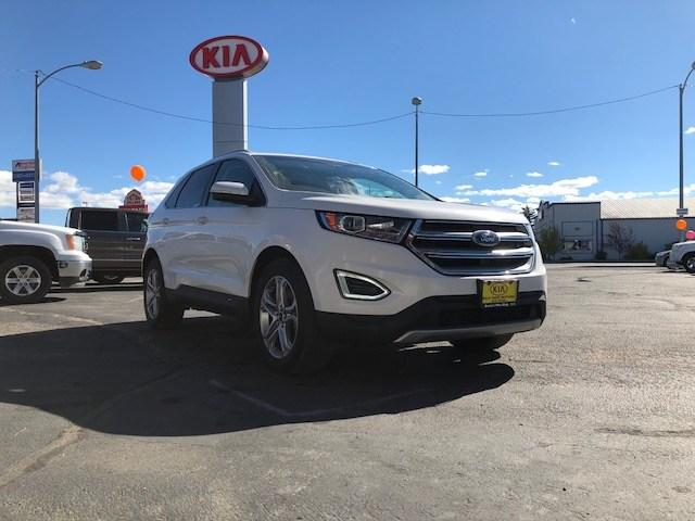 Pre Owned  Ford Edge Dr Titanium Awd